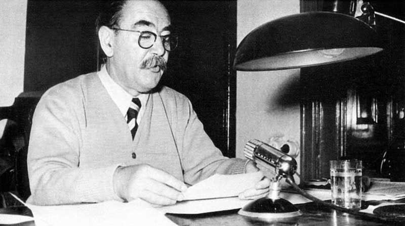 Imre Nagy in the radio studio of the Parliament, 1956